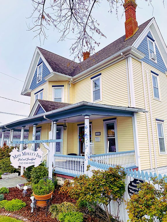 Chincoteague Bed and Breakfast- Miss Mollys Inn