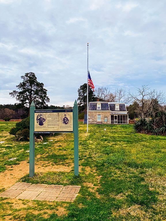 Things to do in Yorktown- Yorktown National Cemetery