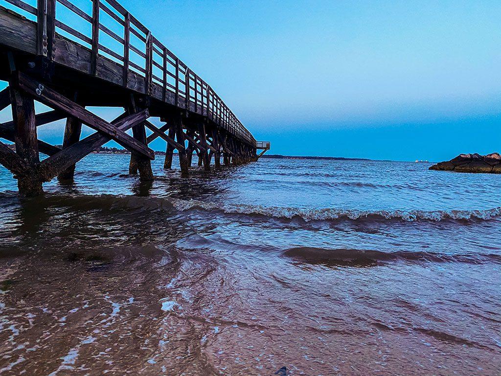Riverwalk Landing Pier - Yorktown Beach - Things to do in Yorktown