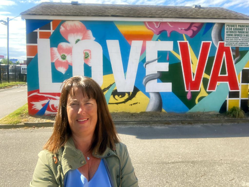 Norfolk Retail Alliance LOVE sign Virginia