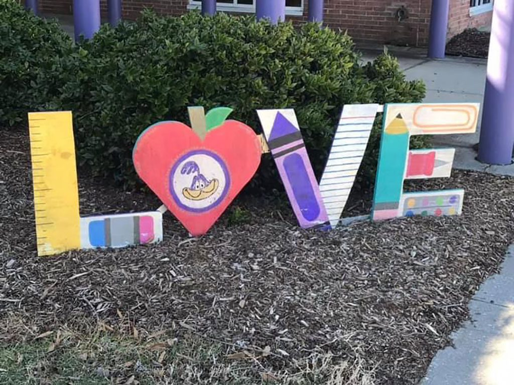 Norge Elementary LOVE sign in Virginia