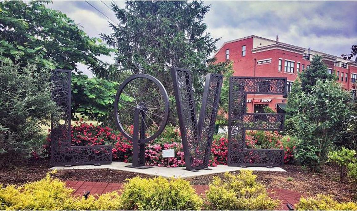 Virginia LOVE Signs in Leesburg VA